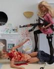 暴力血腥的芭比娃娃