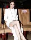 张馨予出席《封神英雄榜》穿短裙走光
