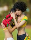 足球宝贝模仿2014巴西世界杯经典瞬间