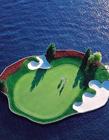 科达恩高尔夫球场,漂浮水中的高尔夫球场