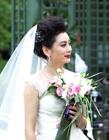 朱军在法国与妻子谭梅办婚礼