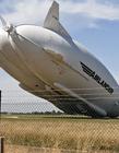 史上最慢坠机 英国最大飞行器