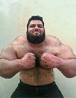 伊朗男子重155公斤 身材如真实版绿巨人