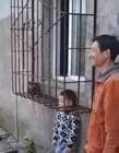 孩子被卡住出不�� 孩子只是(shi)卡住了(liao)