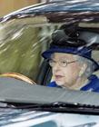 英国女王无证驾驶