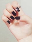 黑色指甲的款式 黑色指甲款式