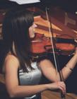 拉小提琴图片 拉小提琴的女孩图片