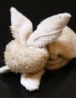 毛巾折兔(tu)子的方(fang)法 毛巾兔(tu)子的折法�D解