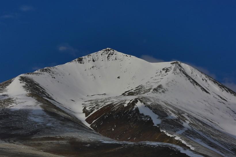 西藏念青唐古拉山图片