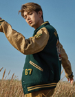 韩歌手Eric Nam最新图片公开 展现冬日暖男魅力