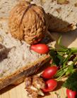 一个核桃的热量 核桃的热量高吗 减肥期间可以吃核桃吗