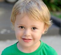 可爱小孩笑容高清图片