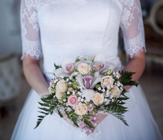 新娘手捧花的�D(tu)片