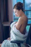 美女性感睡衣浴袍�T惑撩人的高清�D