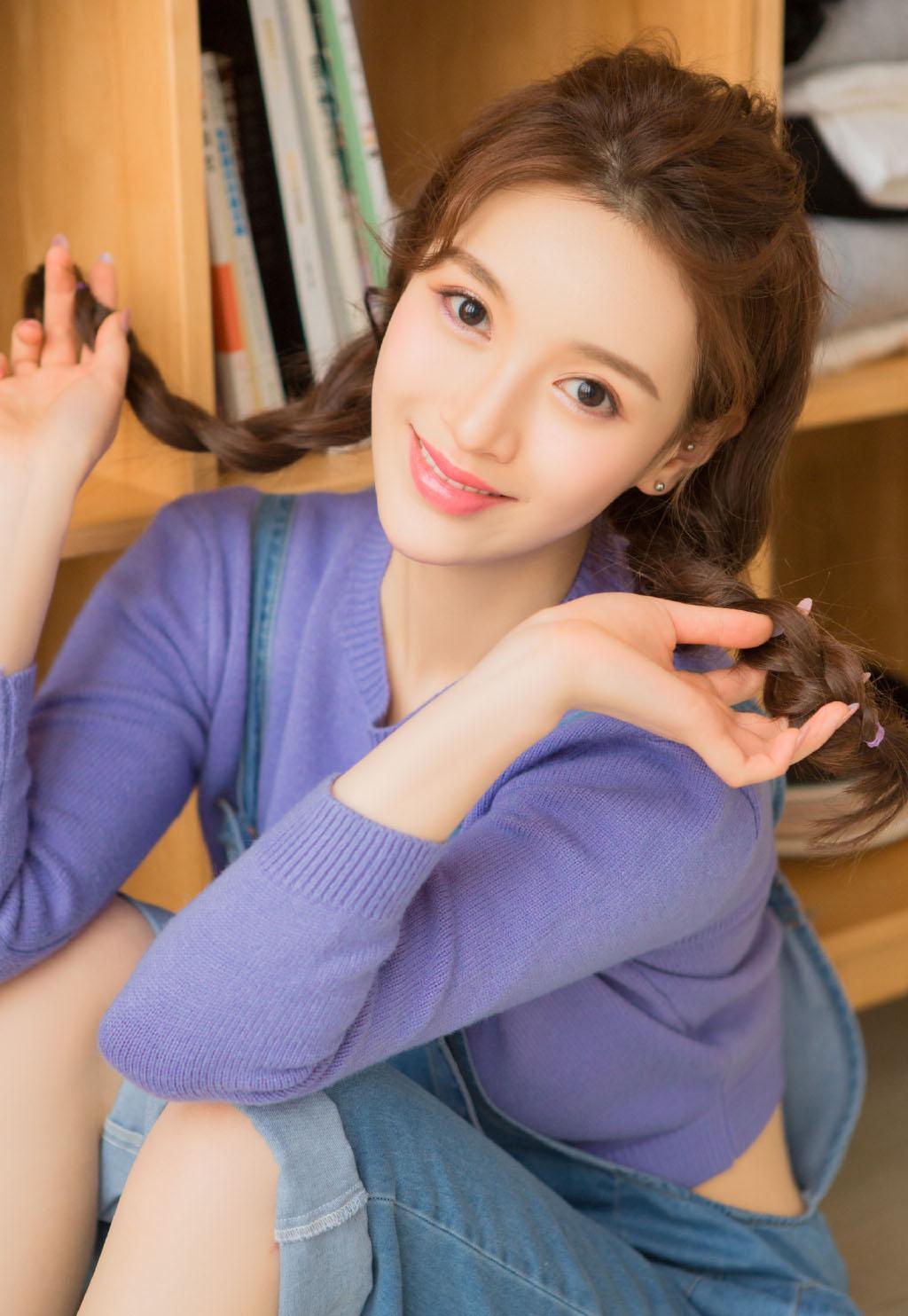 超短裙校服美女��房小清新迷人��真�D片