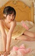 清纯美女尤物酥胸吊带卧室销魂惹火写真