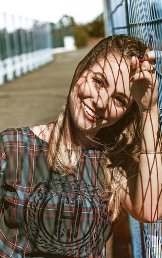 小清新美女蕾丝白纱长裙新娘妆婚纱写真