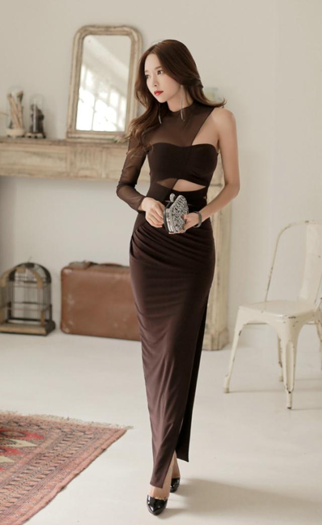 小清新文艺美女吊带睡裙床上诱人写真图片