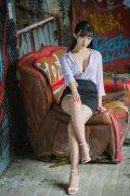 性感俏皮美女极品尤物低胸美腿撩人写真图片