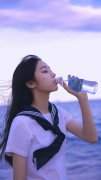 清纯美女大学生海边校服诱惑小清新写真