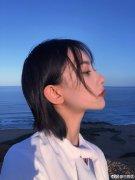 性感气质美女校花王祖馨海边清新写真