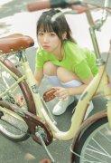 小清新俏皮单车美女