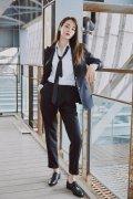 迪丽热巴黑色西装领带酷帅写真图片