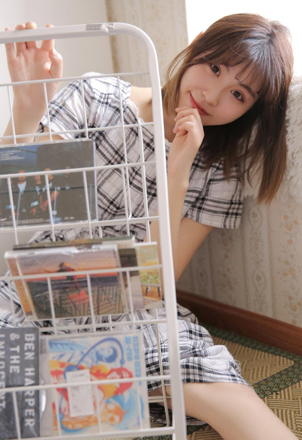 清纯舞蹈美女练功房性感写真图片