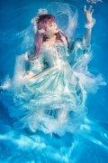 清纯可爱美女萝莉谢安然水下摄影写真图片