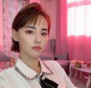 张嘉倪短发造型御姐英气范性感自拍照图片