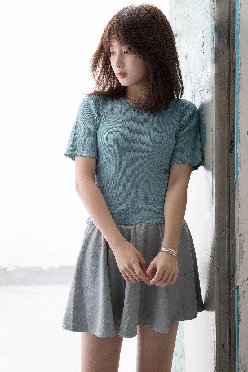 球服清纯美女青春活力写真图片