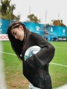 张天爱足球运动风写真图片