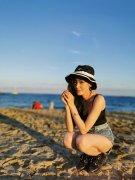 张天爱甜美沙滩写真图片