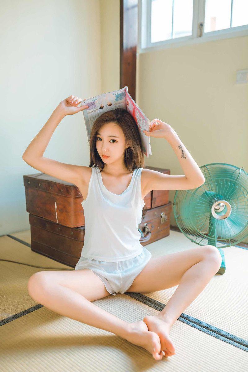 气质极品美女清新复古写真图片