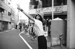 王紫璇日本街头性感街拍图片
