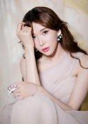 林志玲粉色柔纱裙性感写真图片