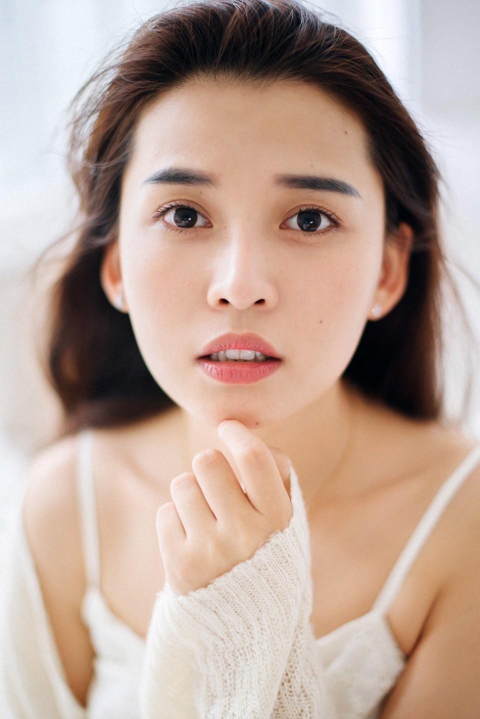 白裙美女小清新可爱写真图片