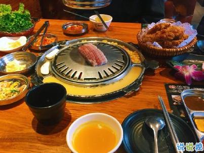 �(zong)有一(yi)天 你(ni)的心上(shang)人(ren),��身披土豆�(bing) �_(jiao)踩(cai)棉花糖 手持烤肉�u腿(tui)��